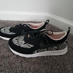 Rare Nike Air Max Thea-From NYC Marathon size 9.5